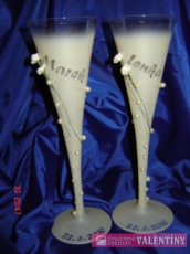 Svadobné poháre s kvetinkami