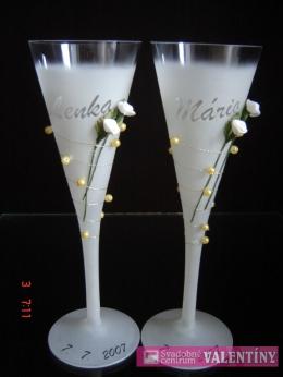 Svadobné poháre s kvetmi