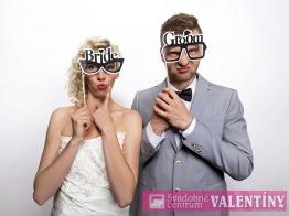 Okuliare bride , groom