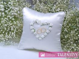 svadobný vankúšik biely srdiečko kvetové