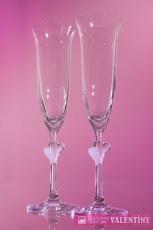 Svadobné poháre v tvare zvončeka s dvoma srdiečkami